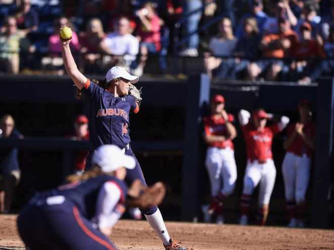 Auburn softball players suspended after marijuana charges