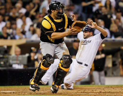 Headley's homer in 10th lifts Padres over Pirates