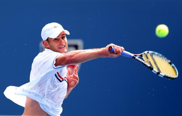 Andy Roddick of the United States returns a shot during his men's singles third round match against Fabio Fognini of Italy on Day Seven of the 2012 US Open at USTA Billie Jean King National Tennis Center on September 2, 2012 in the Flushing neighborhood of the Queens borough of New York City. (Photo by Cameron Spencer/Getty Images)