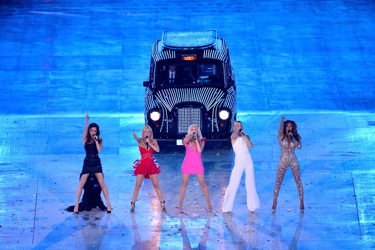 LONDON, ENGLAND - AUGUST 12:  Victoria Beckham, Geri Halliwell, Emma Bunton, Melanie Brown and Melanie Chisholm of The Spice Girls perform during the Closing Ceremony on Day 16 of the London 2012 Olympic Games at Olympic Stadium on August 12, 2012 in London, England.  (Photo by Stu Forster/Getty Images)