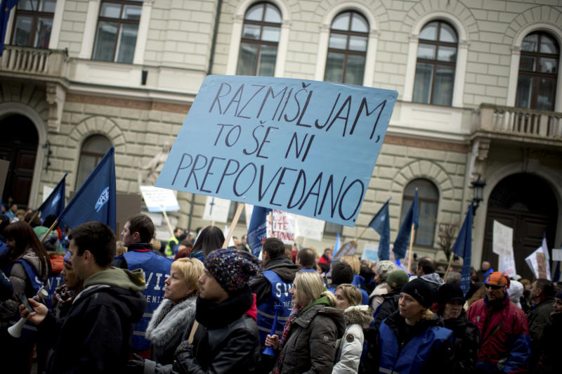 Slovenian PM to stay on despite coalition breakup