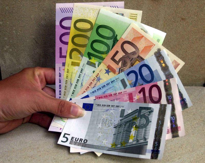 ECB cuts eurozone outlook as rate held at 0.5 pct