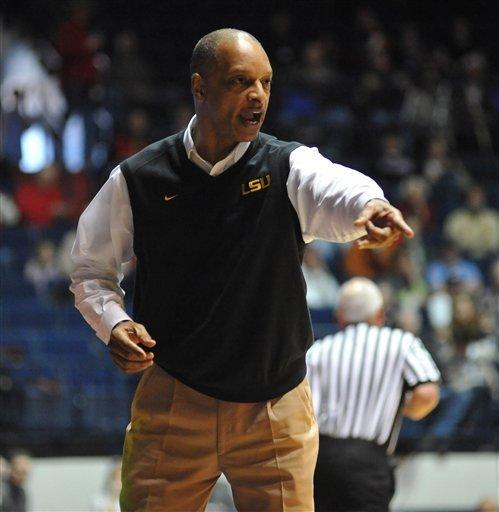 Henry, Williams leads Mississippi pasts LSU 72-48