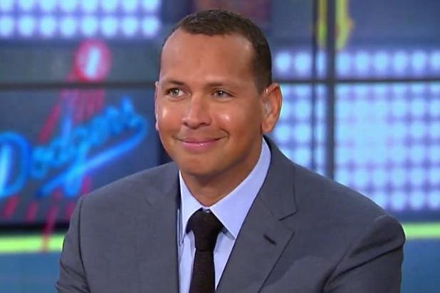 Pete Rose, A-Rod Share Awkward Moment When Derek Jeter's Name Comes Up (Video)