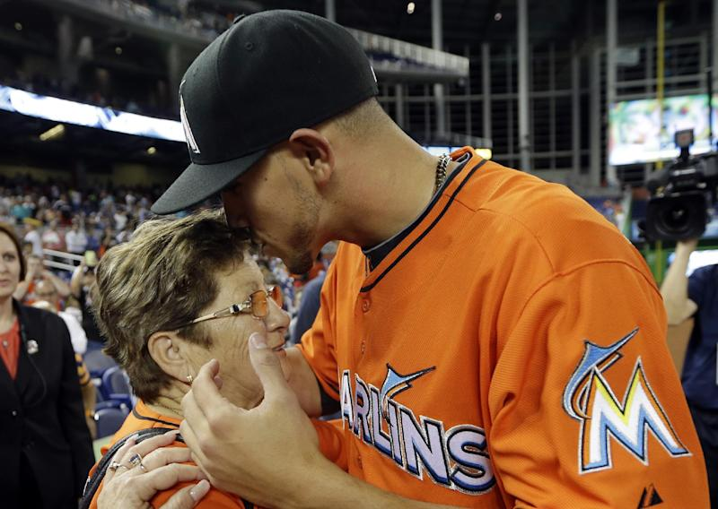 Marlins ace plans to keep family around this year