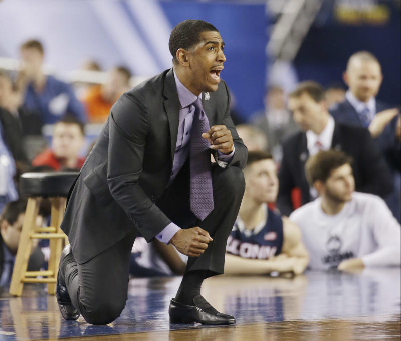 Ollie's wisdom guides UConn to title game