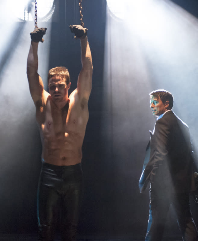 """Sacrifice"" -- Stephen Amell as Oliver Queen and John Barrowman as Malcolm Merlyn"