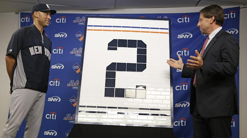 Mets honor Jeter with Subway-themed gifts