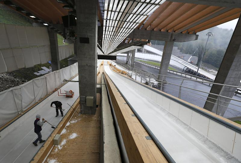Luge training resumes at Sochi track