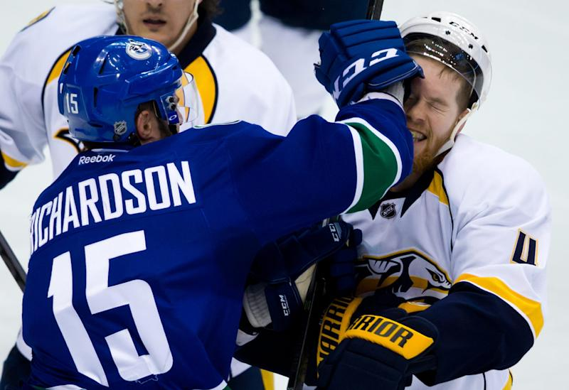 Lack makes 30 saves, Canucks beat Predators 2-0