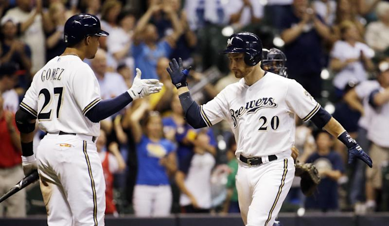 Strength up middle helps Brewers in NL Central
