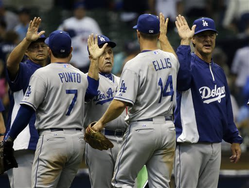 After Mattingly criticism, Dodgers top Brewers 9-2