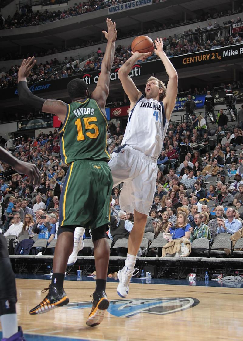 Mavericks win 4th in row, 103-81 over Jazz