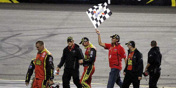 Menzer: Michael Waltrip Racing happy with Chase success