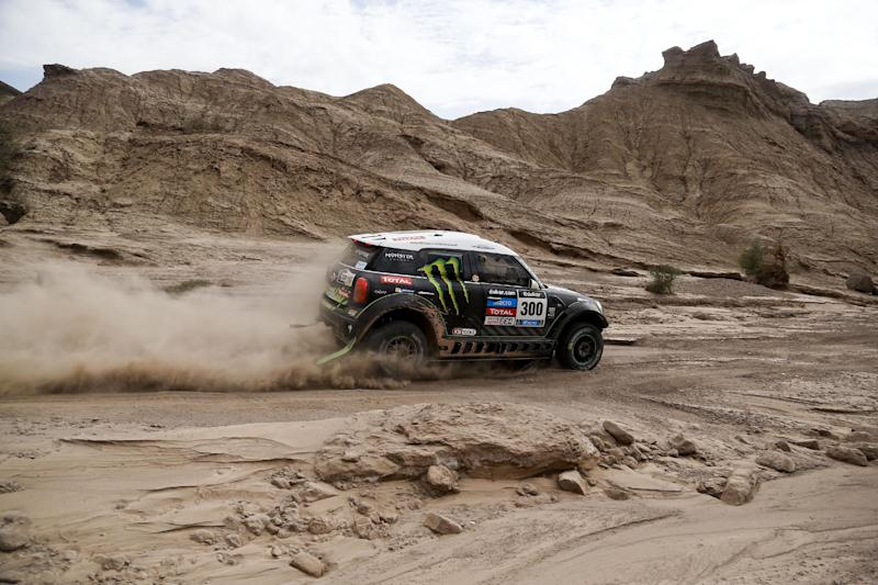Sainz win 4th stage and takes overall Dakar lead
