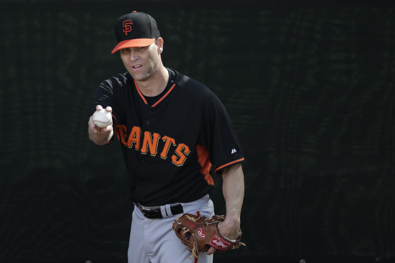 Hudson throws in bullpen for 1st time with Giants