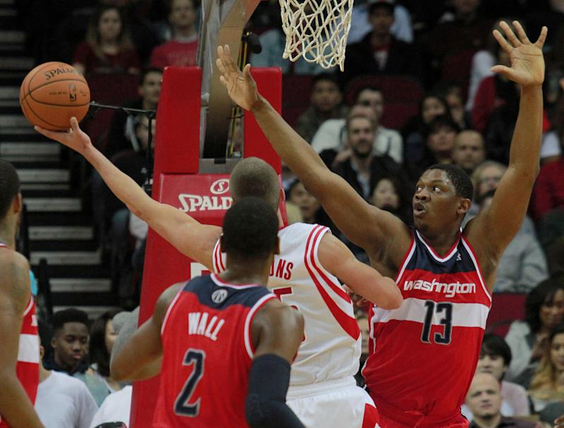 Rockets get 7th straight win, 113-112 over Wizards