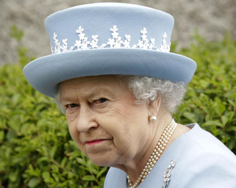 Phone hacker: Queen annoyed by nut-eating police