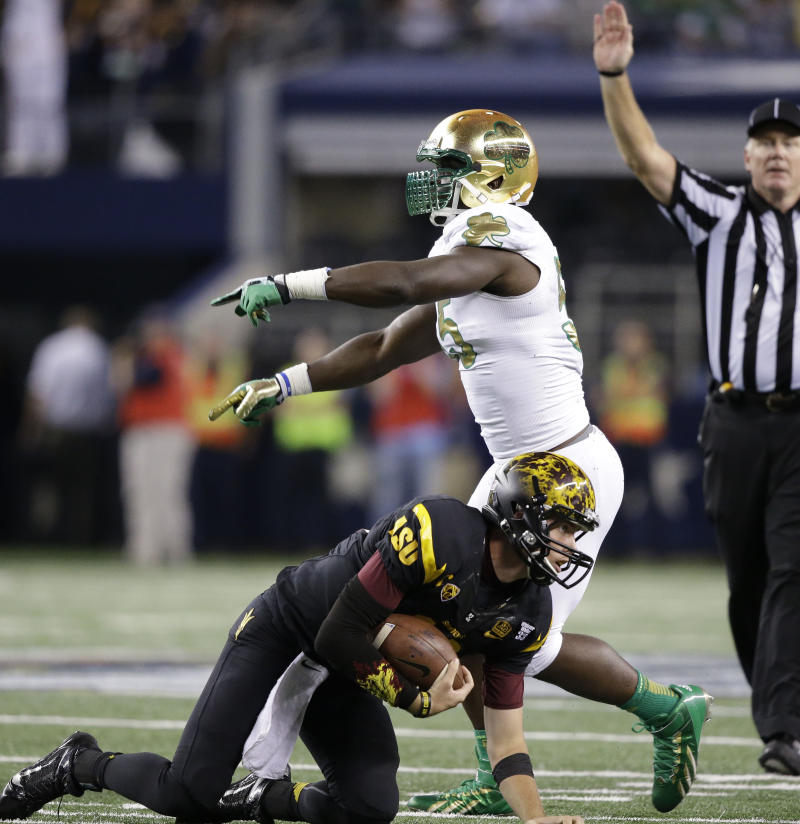 Notre Dame LB Grace, WR Smith out for season