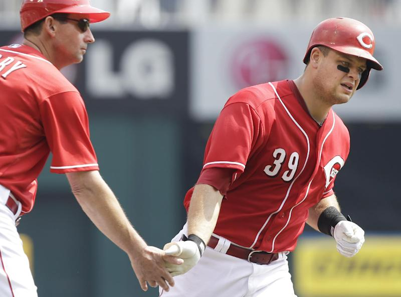 Mesoraco, Hannahan power Reds to 6-0 win over Cubs