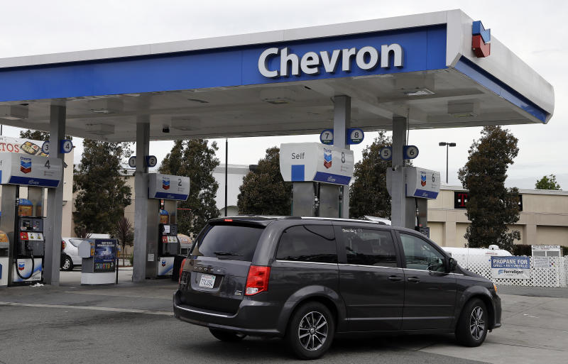 Chevron swings to Q1 profit on cost cuts, rising oil prices (CVX)