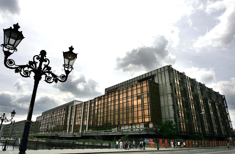 Germany launches building of Berlin palace replica