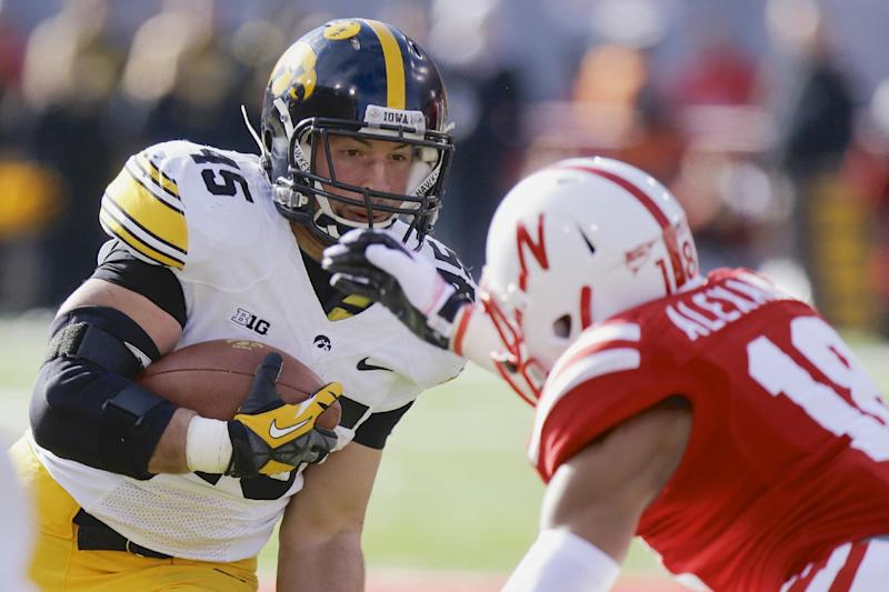 Rudock passes for 2 TDs, Iowa tops Nebraska 38-17