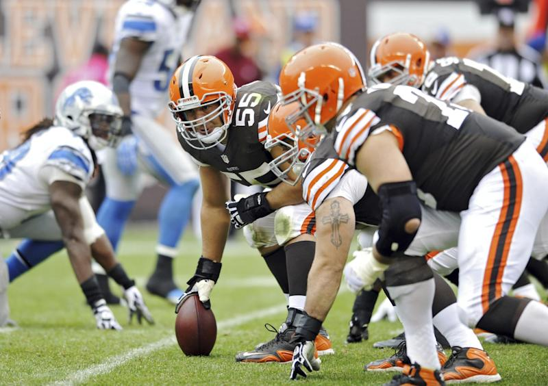 Browns center Mack hopes days with team not over