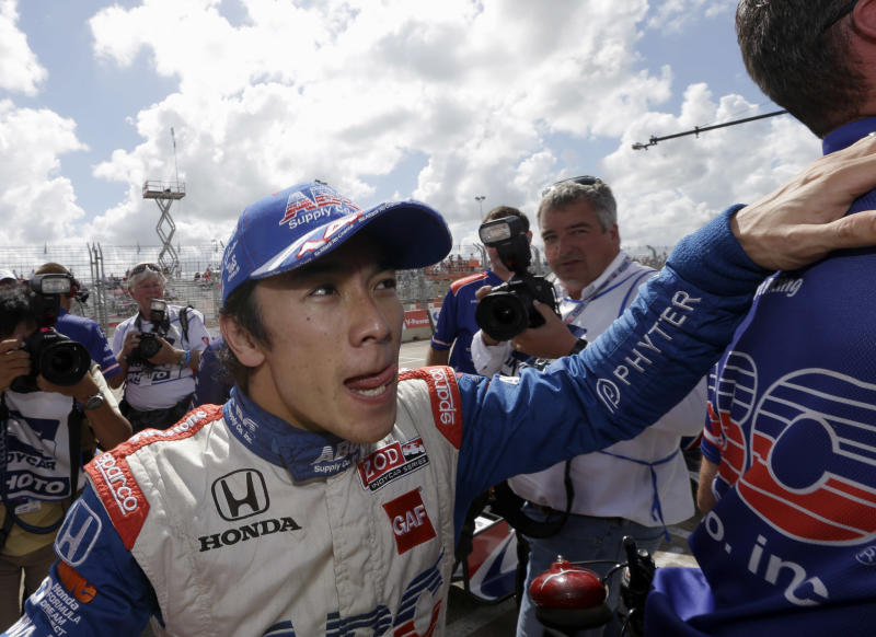 Sato wins pole in Foyt's return to the track