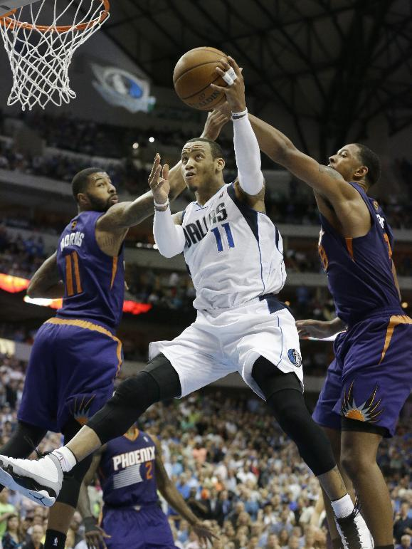 Ellis plays key role in Mavs' playoff berth