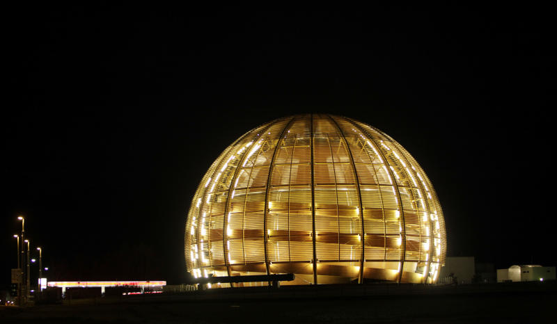Atom smasher hiatus sets stage for more discovery