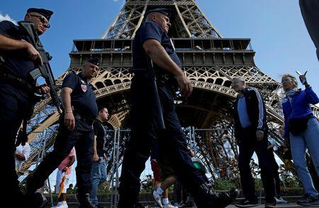 Paris tourism takes serious hit after terror attacks
