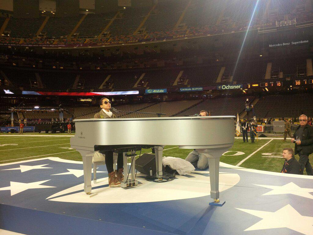 """Alicia can't sleep and who can blame her? """"Woke up dreaming about how this place will b filled later! I'm so excited! Better go back 2 sleep 4 a little bit! #SB47"""""""