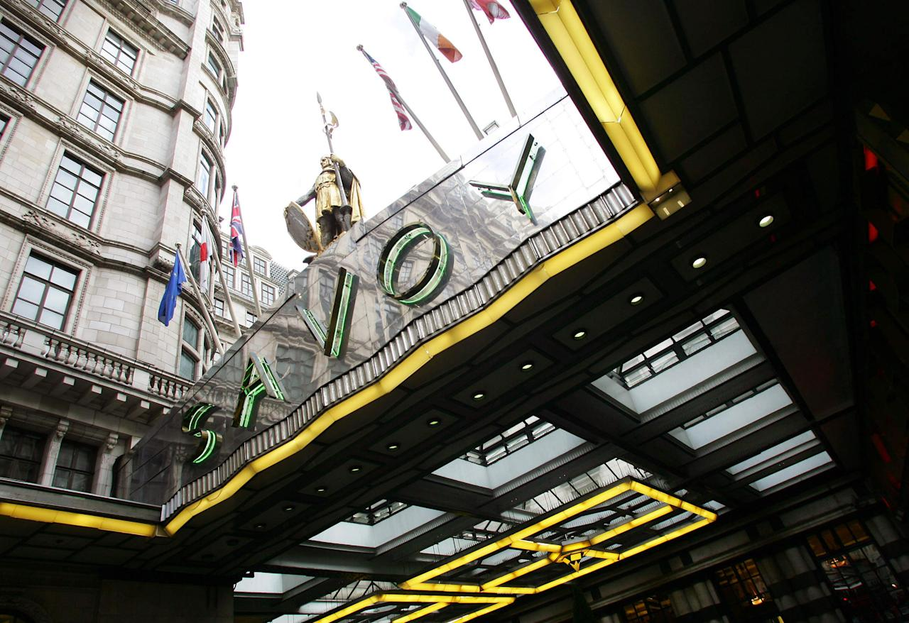 The Savoy Hotel in London 19 January 2005. London's swanky Savoy Hotel and Simpson's in the Strand restaurant have been sold to a company backed by Saudi billionaire Prince Alwaleed bin Talal, sellers Quinlan Private said on Wednesday. AFP PHOTO Adrian DENNIS
