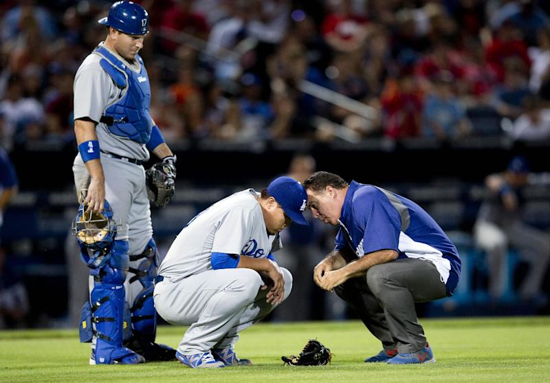 Dodgers' Ryu goes on DL with right hip strain