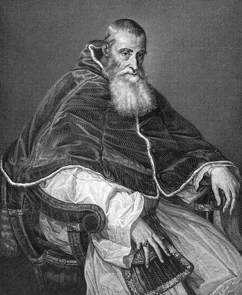Circa 1530, Pope Paul III (1468-1549). Pope 1534-49, originally Alessandro Farnese, began the Counter-Reformation, commissioned Michelangelo to build St. Peter's Basilica and to paint the ceiling of the Sistine Chapel, excommunicated Henry VIII of England 1538, estab (Photo by Archive Photos/Getty Images)