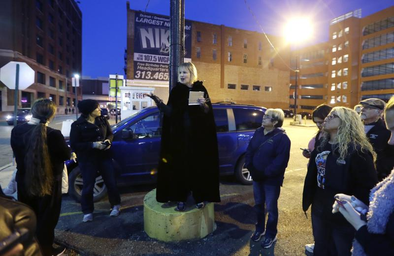 Detroit crime tour tells and sells macabre history