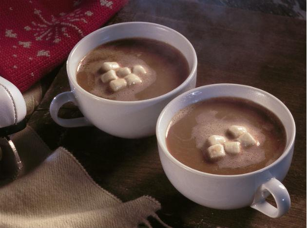 <b>Cocoa </b><br>A mug of brimming hot cocoa does not just sound wonderful, but can work wonders for your winter diet too. Cocoa is known to help the cardiovascular functioning of the body since it is a food rich in flavonoids. So, keep a tin of drinking cocoa for a sip after each sumptuous meal.