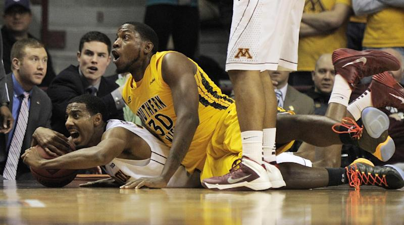 Hollins leads Minnesota past Southern Miss in NIT