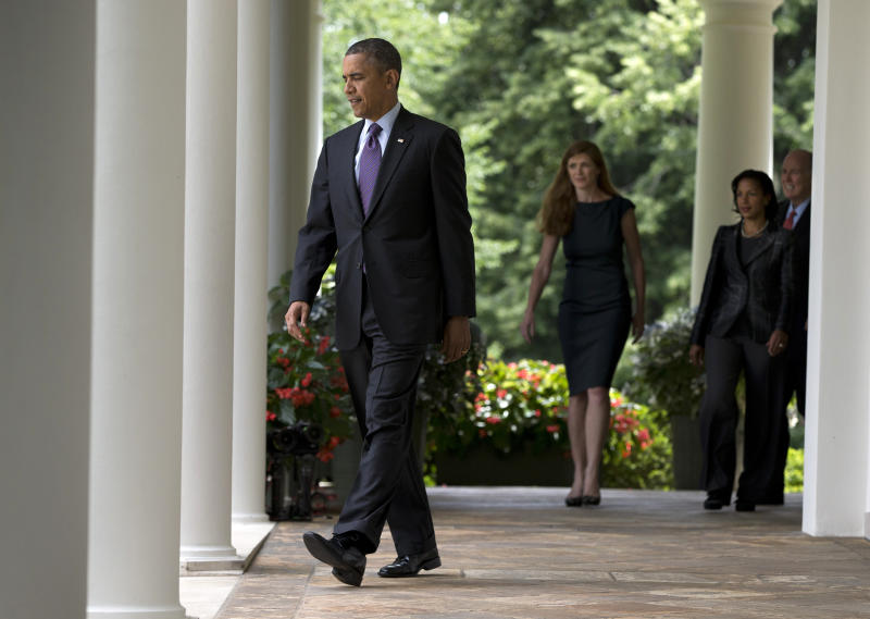 Obama to visit NC school, fundraise in California