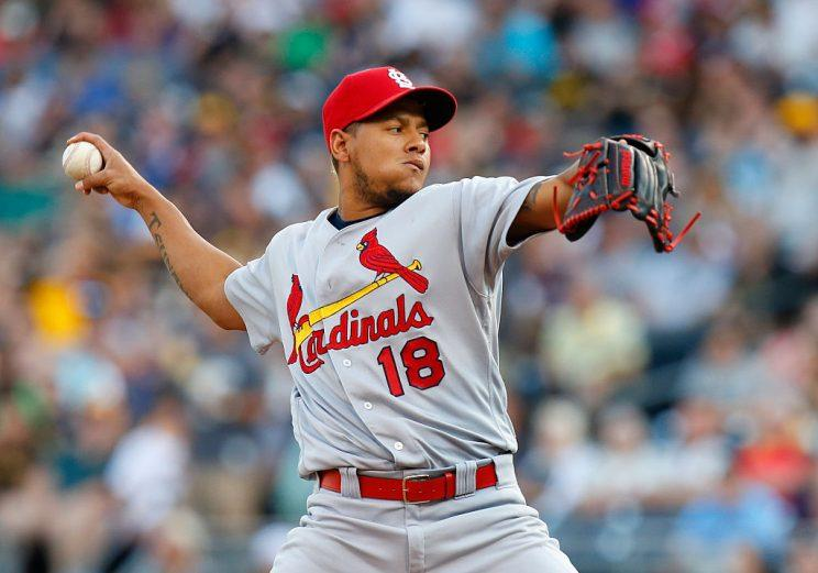 Cardinals, Martinez agree to five-year contract