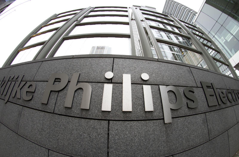 Philips loss widens in Q4; sheds division
