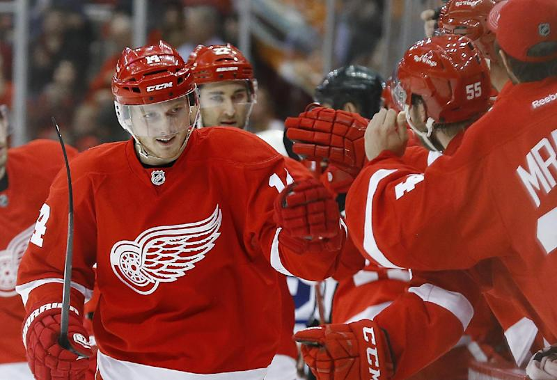 Nyquist scores 2 as Red Wings beat Maple Leafs 3-2