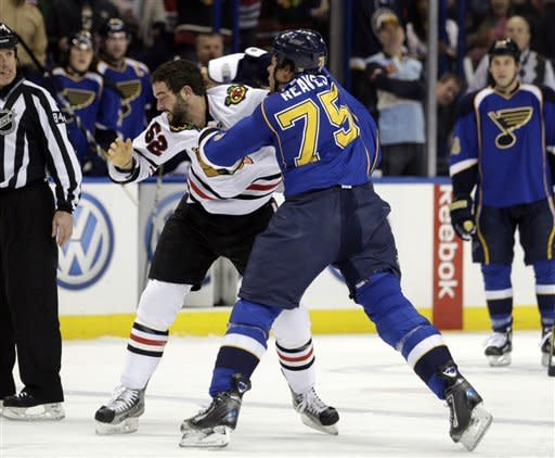 Blues whip Blackhawks 5-1