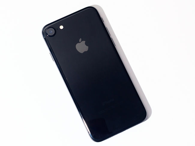 Why it's so hard to find a jet-black iPhone 7