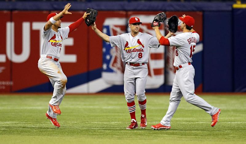 Wainwright wins 9th, Cards beat Rays 1-0