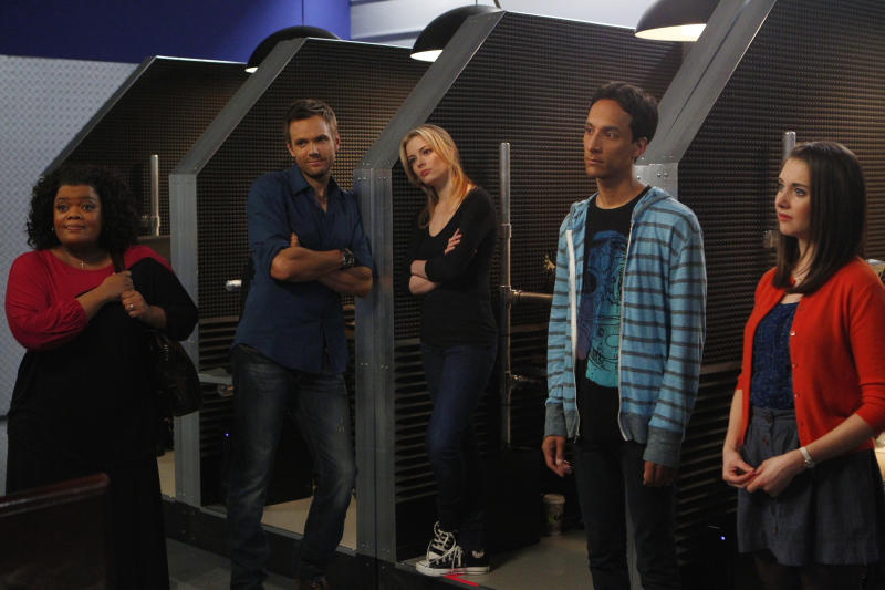 'Community' cast on behind-the-scenes turmoil