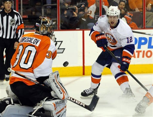 Nabokov stones Flyers, Islanders win 1-0 in SO