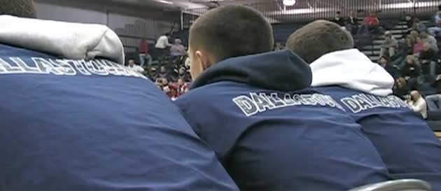 The Dallastown Area varsity wrestling team at a meet — YouTube
