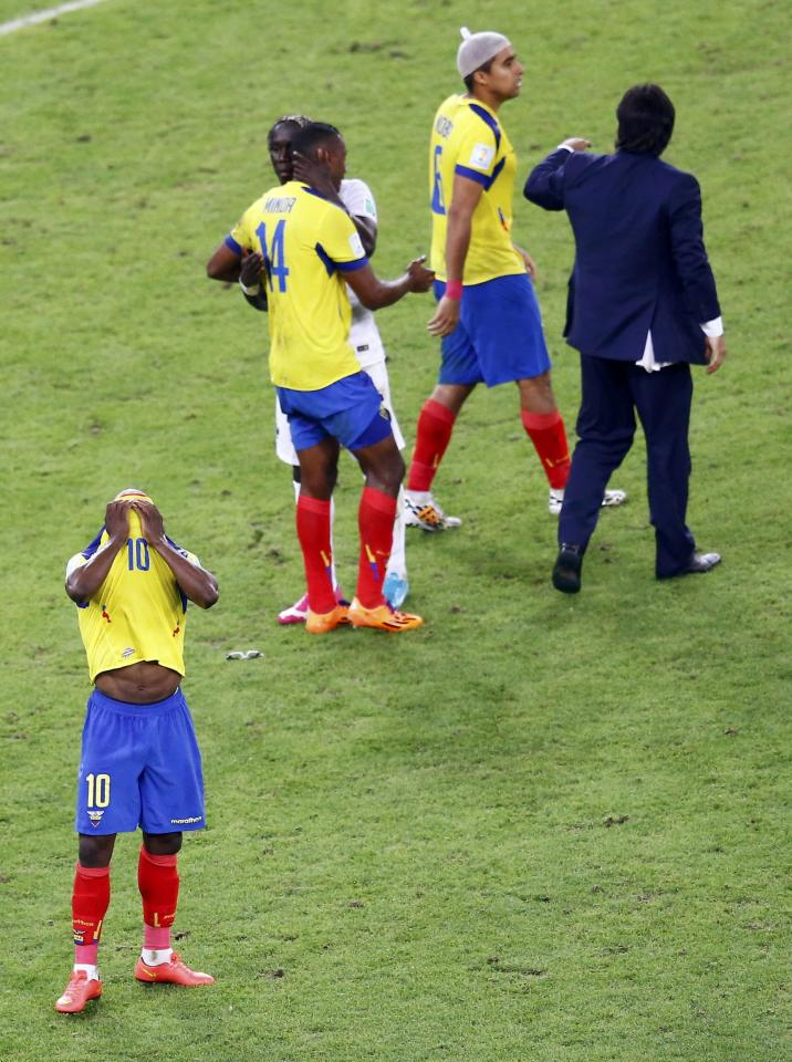 Ecuador's Walter Ayovi reacts after their 2014 World Cup Group E soccer match between against France at the Maracana stadium in Rio de Janeiro June 25, 2014. REUTERS/Ricardo Moraes (BRAZIL - Tags: SOCCER SPORT WORLD CUP)